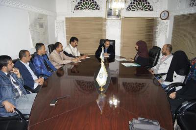 جمعية الأسرة الاجتماعية (fad) والمجلس الشبابي للسلام والتنمية يعقدان اجتماعا مع وزير الشباب والرياضة