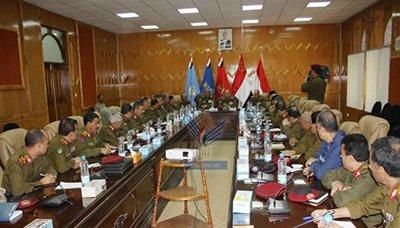 اجتماع موسع بوزارة الدفاع يناقش عملية بناء القوات المسلحة