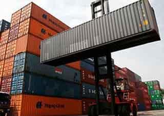موانئ البحر الاحمر :ميناء الحديدة استقبل العام الماضي 323886 حاوية