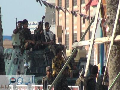 """"""" اليوم برس """" ينشر تقرير مفصل عن أحداث ومسببات إقتحام كتيبة من اللواء  العاشر لمبنى محافظة الحديدة"""