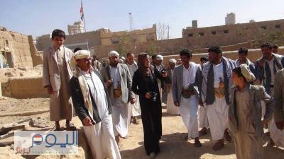 في زيارتها لمحافظة صعدة : رئيسة فريق صعدة بمؤتمر الحوار تحاول صرف الأنظار عن ما يحدث في عمران وأرحب وتشكو حال الحوثيين (صور)