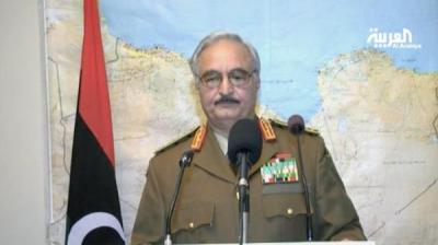 قائد عسكري  يعلن تجميد عمل السلطات في ليبيا ، ويعلن الوقوف الى جانب الشعب الليبي