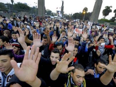 تواصل حراك الطلاب بمصر ومناوشات بميدان التحرير