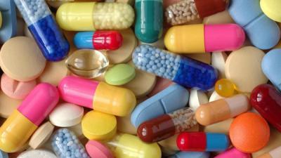 باحثون ينصحون بعدم إهدار الأموال على الفيتامينات