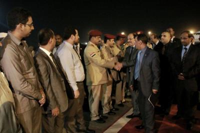 الفريق علي محسن الأحمر يصل الخرطوم ( صور)