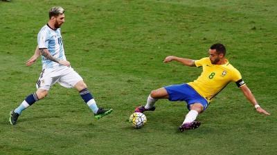 """ميسي غاضب من أداء """"التانغو"""" أمام البرازيل"""