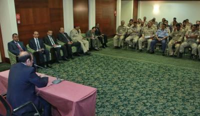 الفريق علي محسن الأحمر يلتقي المبتعثين في الكليات العسكرية بالسودان ( صور)