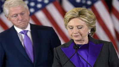 صحيفة أمريكية: هيلاري كلينتون تطلق زوجها
