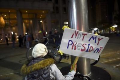 آلاف الطلبة الأمريكيين يواصلون احتجاجاتهم على فوز ترامب للأسبوع الثاني