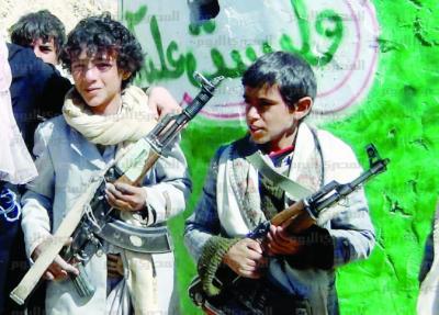 سماسرة الحوثيين يجنّدون الأطفال للقتال مقابل مردودٍ مالي
