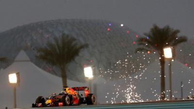 """جائزة أبوظبي الكبرى لفورمولا 1  (عملة ذهبية بـ """"وزن 5 كلغ"""")"""