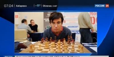 فيديو.. بطل العالم للشطرنج يسقط من الطابق الـ12