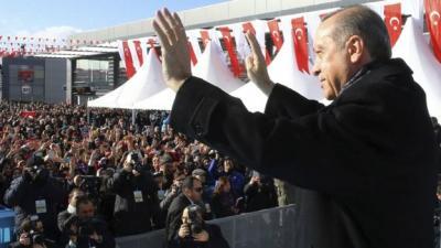 اردوغان يدعو الاتراك إلى استبدال ما لديهم من عملة أجنبية بالذهب او العملة المحلية لمواجهة انخفاض الليرة امام الدولار