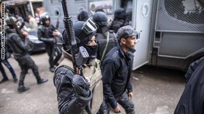 المحكمة الدستورية بمصر تسقط حق وزارة الداخلية في منع المظاهرات