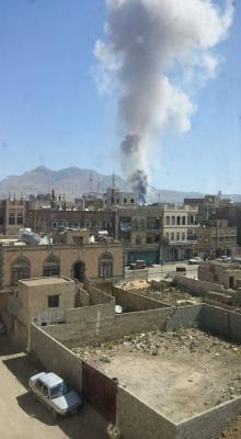 للمرة الثانية وبعد أيام .. حريق بأحد مصانع ومخازن الألعاب النارية بالعاصمة صنعاء( صور)