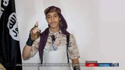 داعش يتبنى تفجير معسكر الصولبان في عدن  والذي خلف العشرات من القتلى .. ويكشف هوية المنفذ ( صور)