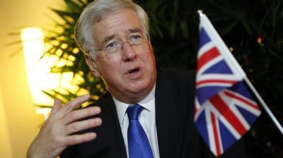 وزير الدفاع البريطاني : السعودية لها الحق في الدفاع عن نفسها ولها الحق في إعادة الحكومة الشرعية في اليمن