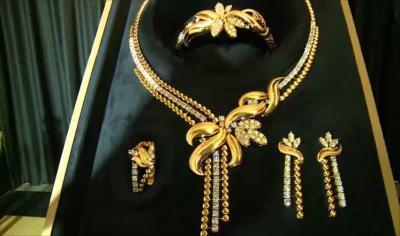 أكبر طقم ذهب سعودي في العالم يدخل موسوعة غينيس
