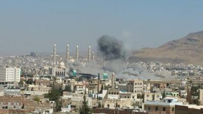 بالصور : طيران التحالف يقصف ميدان السبعين ومحيطه مجدداً