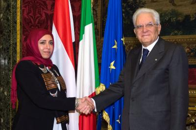 سفيرة اليمن لدى  روما تقدم أرواق اعتمادها للرئيس الايطالي( صورة)