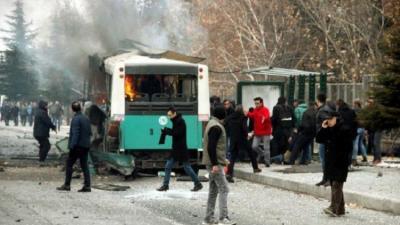 عشرات القتلى والجرحى جراء تفجير سيارة مفخخة في ولاية قيصري التركية