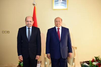 الزنداني يؤدي اليمين الدستورية أمام الرئيس هادي كسفيراً لليمن لدى السعودية ( صوره)