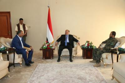الرئيس هادي يلتقي بمحافظ ومدير أمن عدن ويوجه  بتفعيل عمل الاجهزه التنفيذية والامنية