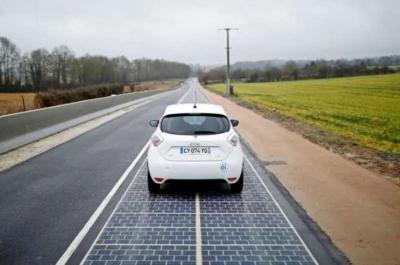 بلدة فرنسية تدشِّن أول طريق يعمل بالطاقة الشمسية في العالم