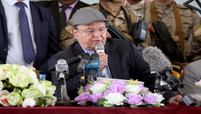 الرئيس هادي يوجه بمنع الإعفاءات والاستثناءات الجمركية
