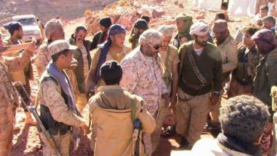 """قائد المنطقة السابعة اللواء """" زحزوح """" يتفقد الوحدات العسكرية في نهم ( صور)"""