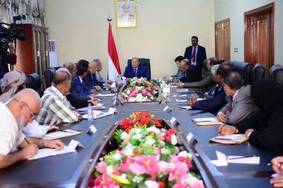 الرئيس هادي يوجه القضاة رؤساء المحاكم بالنزول الميداني و البت في القضايا