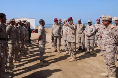 رئيس الأركان يتفقد القوات البحرية المرابطة في سواحل البحر الأحمر ( صور)