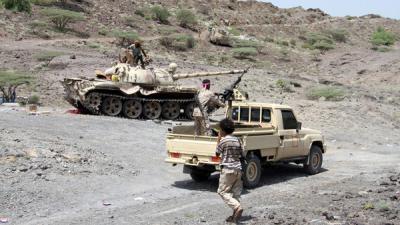 الجيش  يسيطر على تلال استراتيجية بين تعز والحديدة
