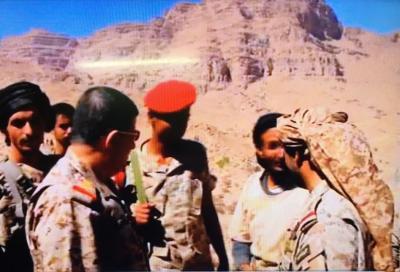 """رئيس الأركان """" المقدشي """" يعقد اجتماعاً موسعاً بقيادات المنطقة العسكرية السابعة المرابطة في منطقة نهم شرق صنعاء ( صور)"""