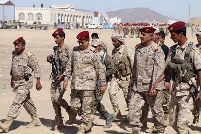 """رئيس الأركان """" المقدشي """" يزور الوحدات العسكرية التي انضمت للجيش ( صور)"""