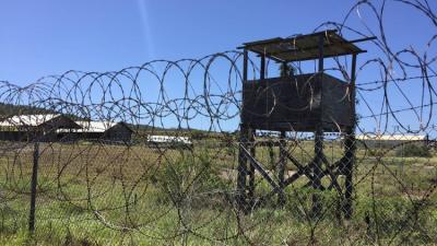 وصول 10 معتقلين مفرج عنهم من غوانتانامو إلى سلطنة عمان