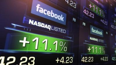 """مؤسس """"فيسبوك"""" يجني 5 مليارات $ في أسبوعين"""