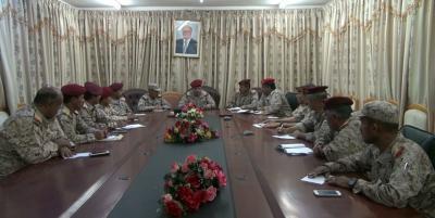 """رئيس الأركان """" المقدشي """" يرأس اجتمعا لرؤساء هيئات وزارة الدفاع"""