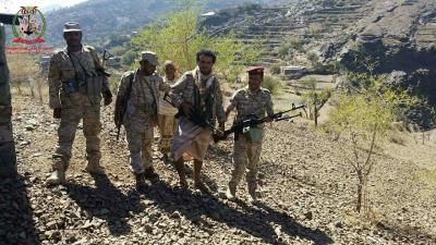 قوات الجيش والمقاومة تتقدم في الوازعية بتعز وتسيطر على مناطق جديدة