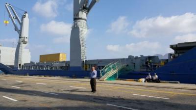 وصول مولدات كهربائية من قطر إلى عدن .. وفريق تركي يبدأ بتركيبها