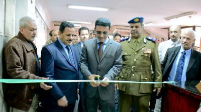 إفتتاح مركز الإصدار الآلي بالسفارة اليمنية بالقاهرة وربطه بمركز عدن والتخلي عن مركز صنعاء ( صوره)