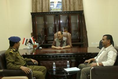 الفريق علي محسن الأحمر يناقش مع وكيل وزارة الداخلية آليات تفعيل دور الأجهزة الأمنية ( صوره)