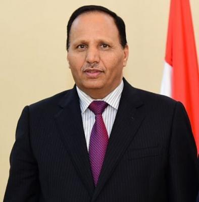 """وزير الخدمة المدنية """" جباري """" يخرج عن صمته ويكشف عن المتسبب في تأخير صرف مرتبات موظفي الدولة"""