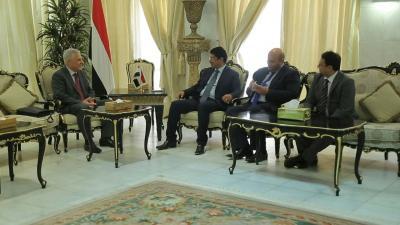 سبأ : سفير روسيا لدى اليمن يبارك انتصارات الجيش في المخا