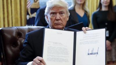 """من ضمنها اليمن .. ترامب يعتزم إصدار قرارات """"أمنية"""" تشمل التشديد على تأشيرات مواطني 7 دول شرق أوسطية وأفريقية"""
