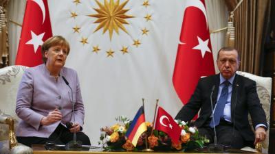 """أردوغان يقطع حديث المستشارة الألمانية بعد تلفظها بعبارة """" الإرهاب الإسلامي """" ويصحح العبارة"""