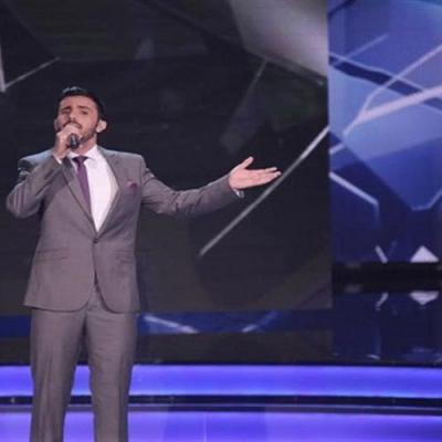 الفنان اليمني عمار العزكي يتألق كعادته ويبهر لجنة التحكيم في أغنية للفنان محمد عبده في مسابقة الليلة من آرب آيدول