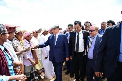 الرئيس هادي يزور مشروع الشيخ زايد بسقطرى ( صور)