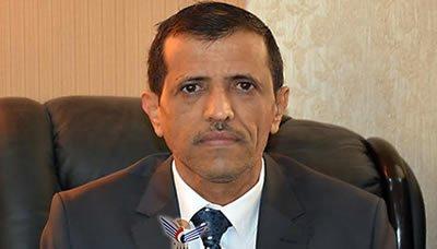 وزير في حكومة بن حبتور يكشف فساد الحوثيين في وزارته ويوجه مذكره بإعادة السيارات ( وثائق)