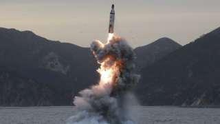 بالفيديو .. عملية إطلاق الصاروخ البالستي الكوري الشمالي الذي هز الرأي العام العالمي